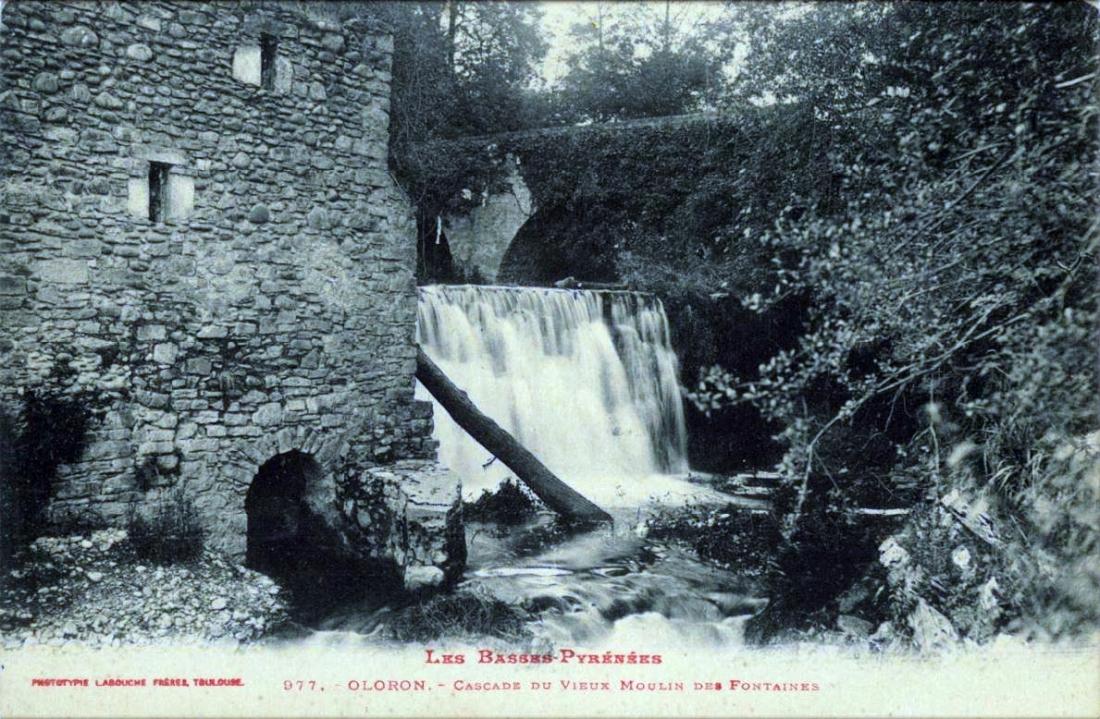 Cascade du vieux moulin des Fontaines