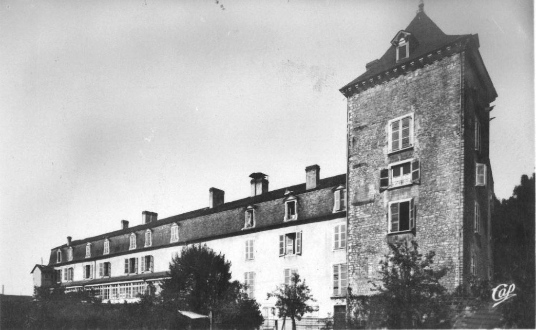 L'hospice et la tour Louis XIV