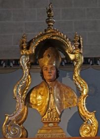 Saint-Grat Statue